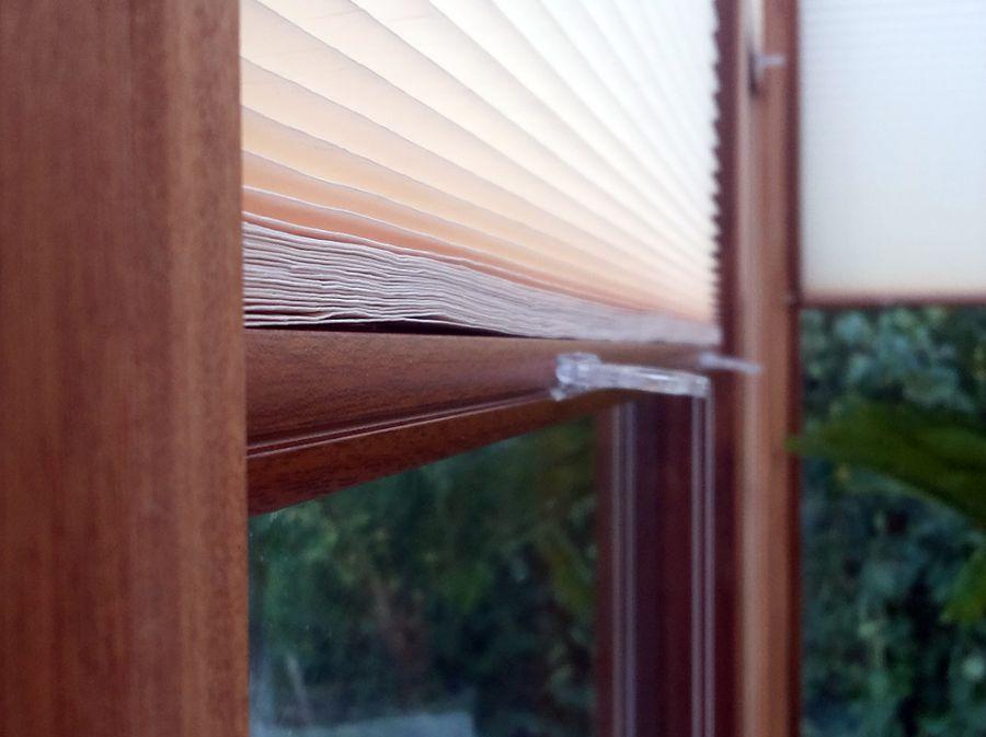 rollosystem plissees insektenschutz und innenrollos rollosystem plissees insektenschutz. Black Bedroom Furniture Sets. Home Design Ideas